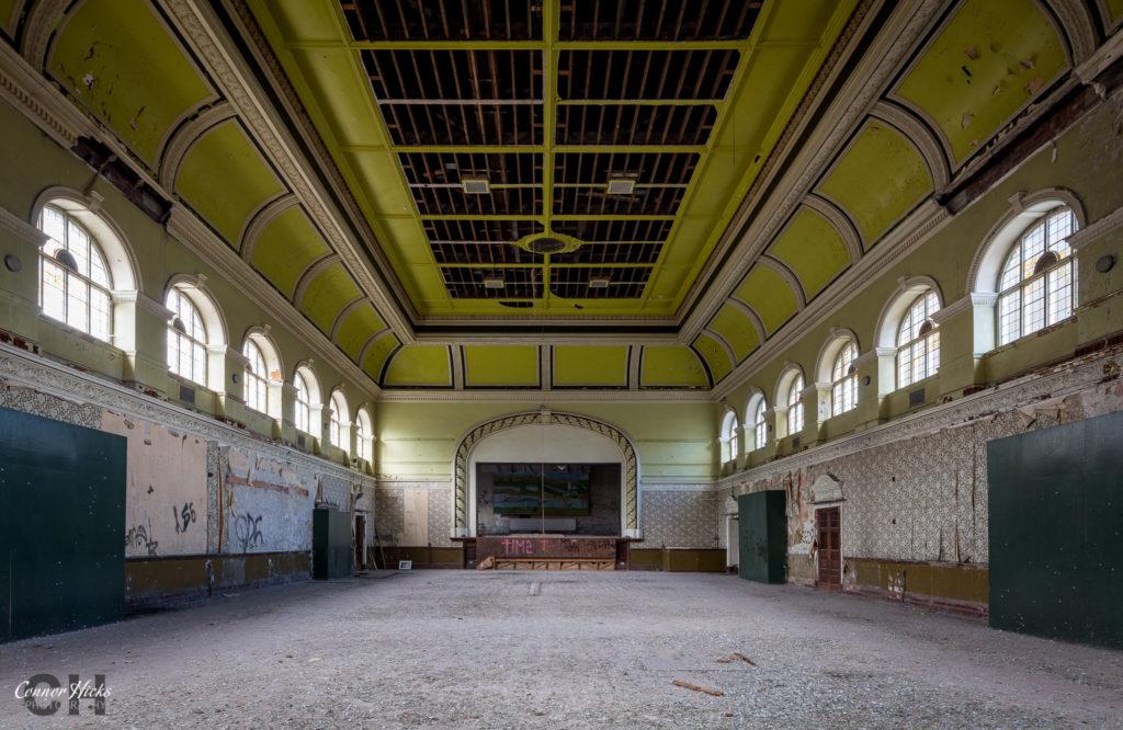 High-Royds-Asylum-Urbex-Ballroom