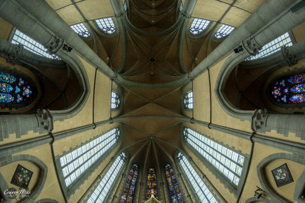 church cliffhanger belgium urbex 1024x683 Cliffhanger Church, Belgium