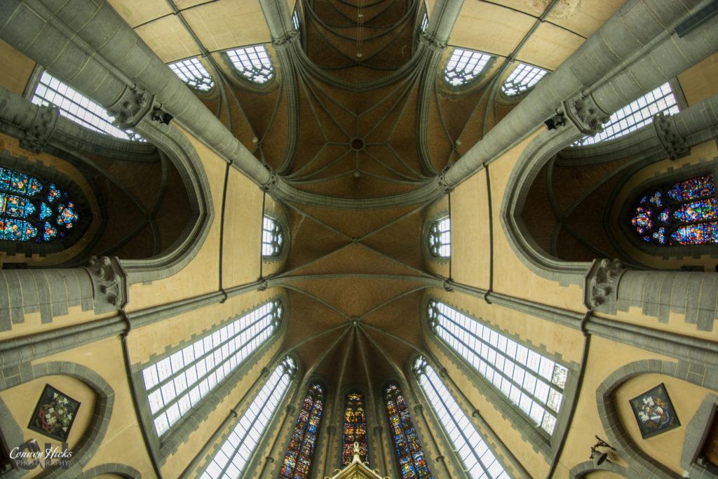 cliffhanger church roof urbex belgium 1024x683 Cliffhanger Church, Belgium