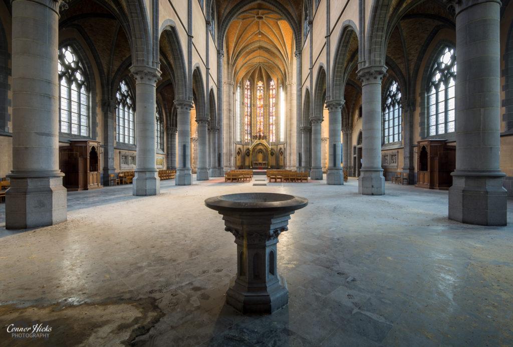 cliffhanger church urbex belgium  1024x692 Cliffhanger Church, Belgium