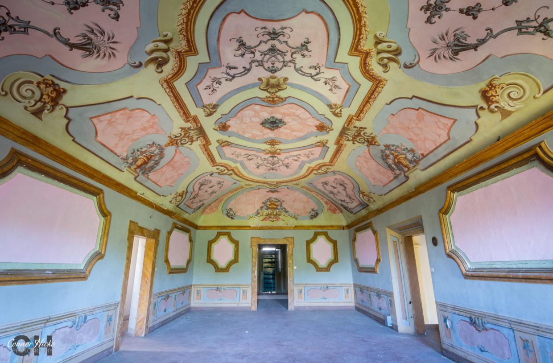 Villa Crypta Italy Urbex