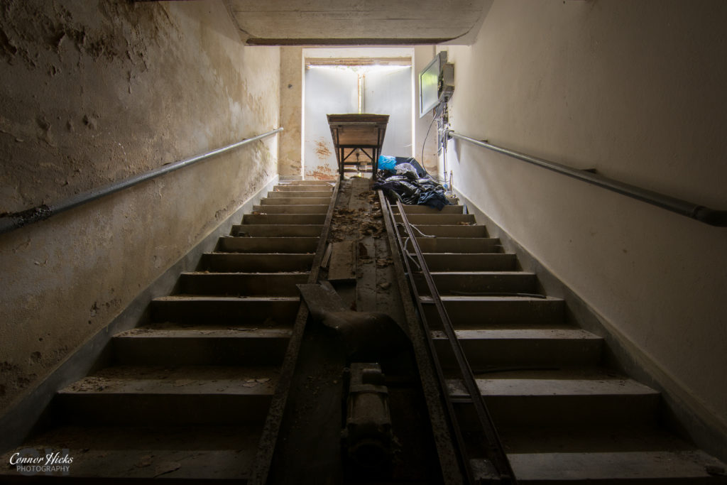 holy morgue body lift urbex 1024x683 Holy Morgue, Germany